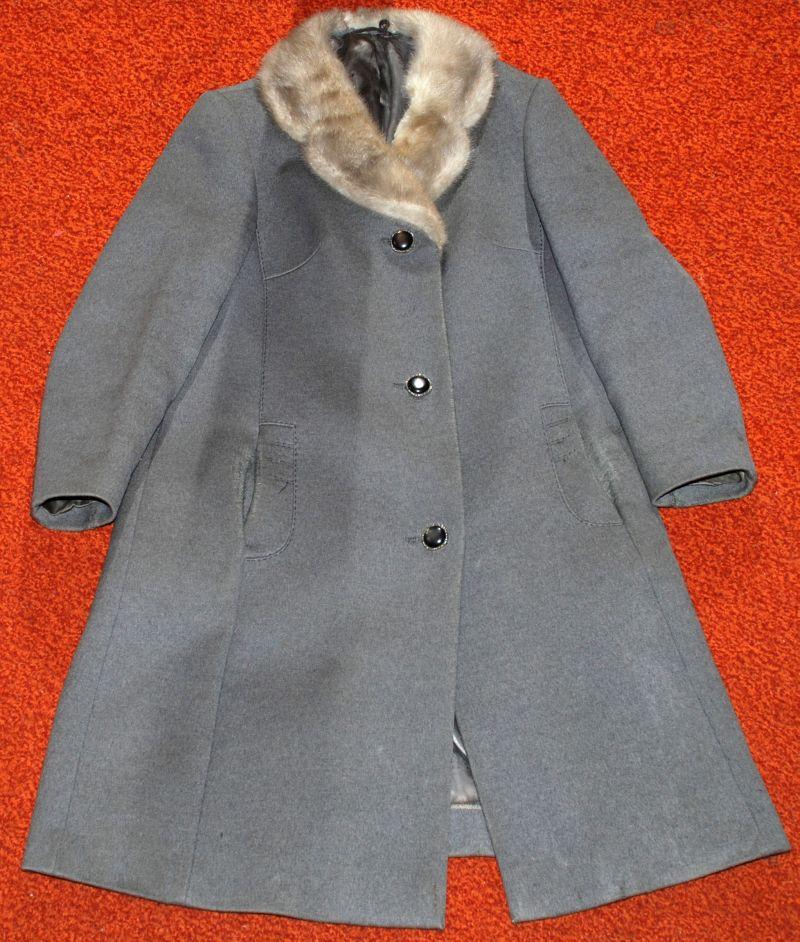 Как обновить старое пальто своими руками фото