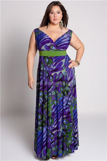 Особенно актуальными будут модные сарафаны для полных с корсетным верхом или завышенной линией талии