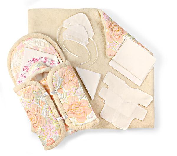 Идеально подходит для выписки из роддома зимой. . В... Конверт для новорожденного из 11-ти прердетов атлас, мех арт