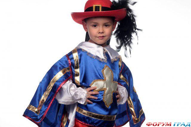 Как сшить костюм мушкетера для мальчика своими руками